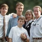 The entire Manning clan poses for a family photo in 1993.