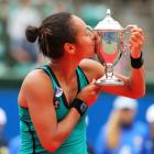 def. Chang Kai-Chen 7-5, 5-7, 7-6 (4) WTA International, Hard, $220,000 Osaka, Japan