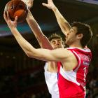 Papanikolaou gained notice with a strong performance at the Euroleague Final Four in May, including a game-high 18 points in Olympiakos' victory over CSKA Moscow in the final.