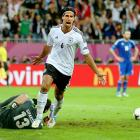 Germany advanced to the Euro semifinals after Sami Khedira's dazzling strike in the 61st minute (pictured), the first of three goals in a 14-minute span to give it a 4-2 victory over Greece. Philipp Lahm gave the Germans a 1-0 halftime lead with a 39th minute strike, but Greece delivered a second half surprise when Georgios Samaras slotted home an equalizer off of a Dimitris Salpingidis cross. It didn't take long for the Germans react. Khedira's volley six minutes later eroded Greece's momentum, and goals by Miroslav Klose and Marco Reus provided insurance. Klose has now scored in his five major international tournaments.