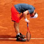Murray almost had to pull out of the tournament after having severe back pains during his second-round match against Jarkko Nieminen. He went on to win the match, but fell short against David Ferrer in the quarters.