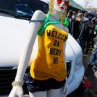 While the mannequin in the preceding frame entertained the media, his girlfriend waited patiently in the parking lot at Notre Dame Stadium.