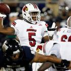 It was closer than expected, but Louisville took down Florida International on the road to improve to 4-0. Teddy Bridgewater (pictured) completed 19-of-37 passes for 193 yards and two touchdowns, and Andrell Smith made five catches for 50 yards and a score. The Cardinals' running game also proved effective. Senorise Perry tallied 10 carries for 64 yards, and Jeremy Wright ran 15 times for 52 yards and a touchdown.