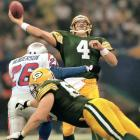 Brett Favre throws for 245 yards and two TDs and MVP Desmond Howard breaks game open with a 99-yard kickoff return as Packers defeat New England 35-21 for Green Bay's first Super Bowl title in 29 years. Howard's 244 return yards set a Super Bowl record.
