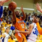 Golden will be the guy running the show for the Vols this year. As a sophomore, he averaged 13.6 points and 4.5 assists, and while he turned the ball over too often, Golden did prove to be an efficient shooter and one of the better creators in the SEC.