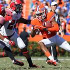 After playing conference opponents in eight of its first nine games, Florida finished its SEC schedule last week against Missouri. But this week's matchup with Louisiana-Lafayette wasn't any easier. The Gators trailed 20-13 until two late scores sparked a closer-than-expected victory: a three-yard touchdown pass to Quinton Dunbar (pictured) and a 35-yard blocked punt return from Jelani Jenkins. After surviving, Florida will prepare to host Jacksonville State next Saturday.