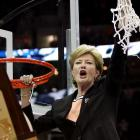 Sports world reacts to passing of coaching legend Pat Summitt