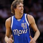 Dirk Nowitzki agrees to $50M deal with Mavericks