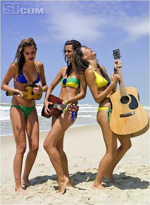 Pompei Beach [Aline and Fernanda M.]; Letarte Swimwear by Lisa Cabrinha [Ana B.