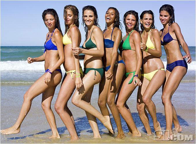 Vix Swimwear [Ana B.]; Letarte Swimwear by Lisa Cabrinha [Aline]; Vix Swimwear [Fernanda M.]; Vanda Catucci [Fernanda T.]; Sauipe Swimwear [Raica]; Cia. Maritima [Daniella]; ANK by Mirla Sabino [Ana Paula]