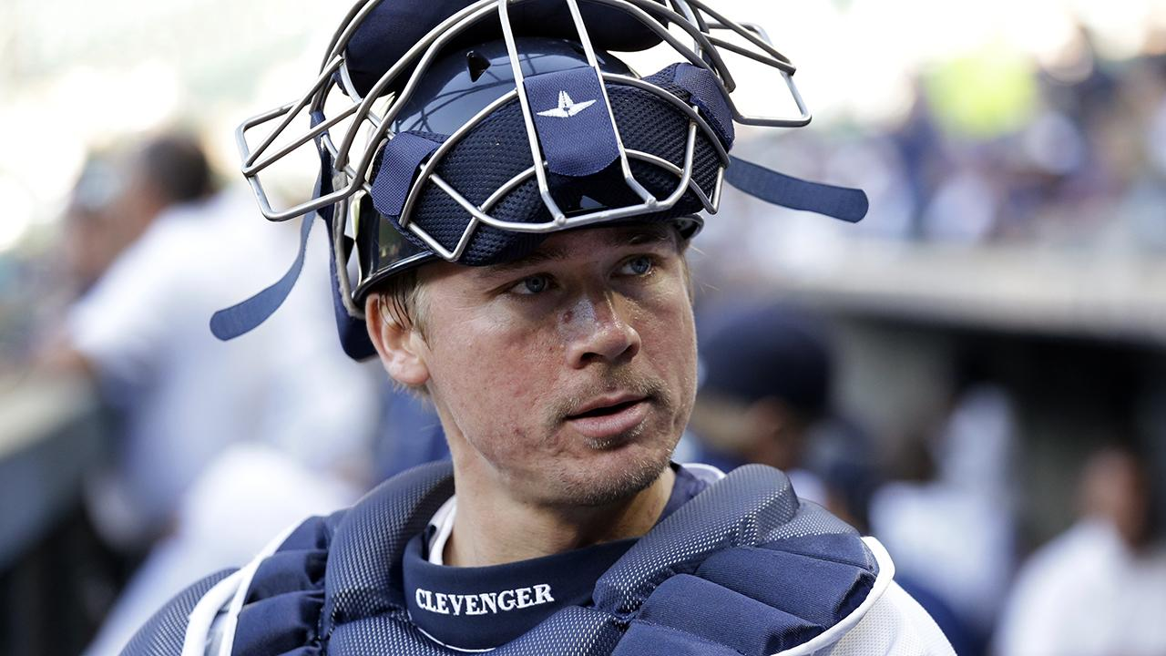 Mariners investigating catcher for controversial tweets