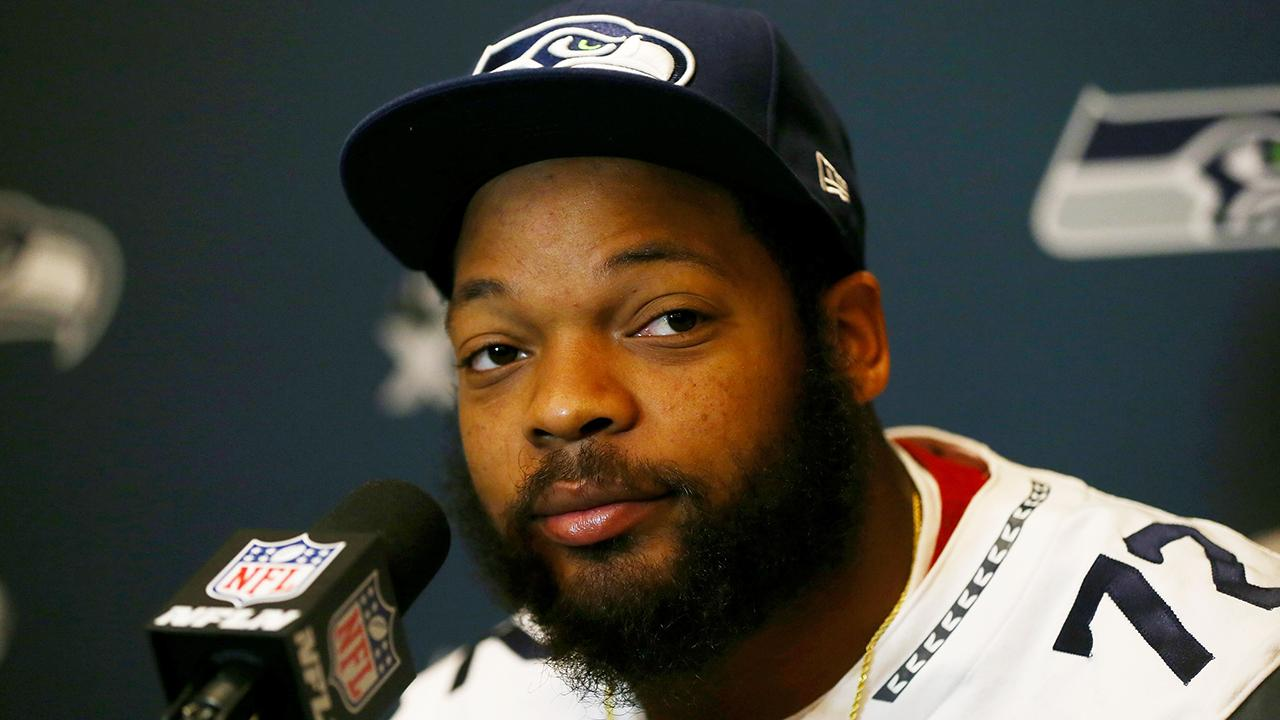 Seahawks DE Michael Bennett: White player needs to join anthem protest