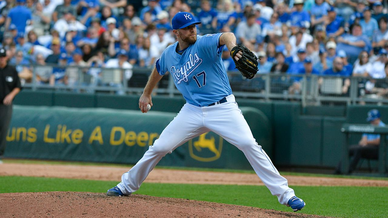 Report: Royals agree to trade Wade Davis to Cubs for Jorge Soler