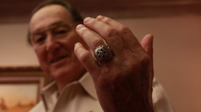 Former Cowboys great Chuck Howley talked Super Bowl predictions and showed off his Super Bowl XI ring.