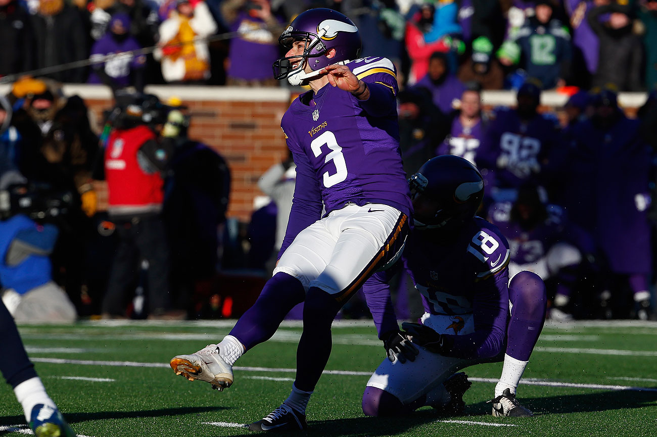 Blair Walsh misses the game-winning field goal in the Vikings-Seahawks wild-card game.