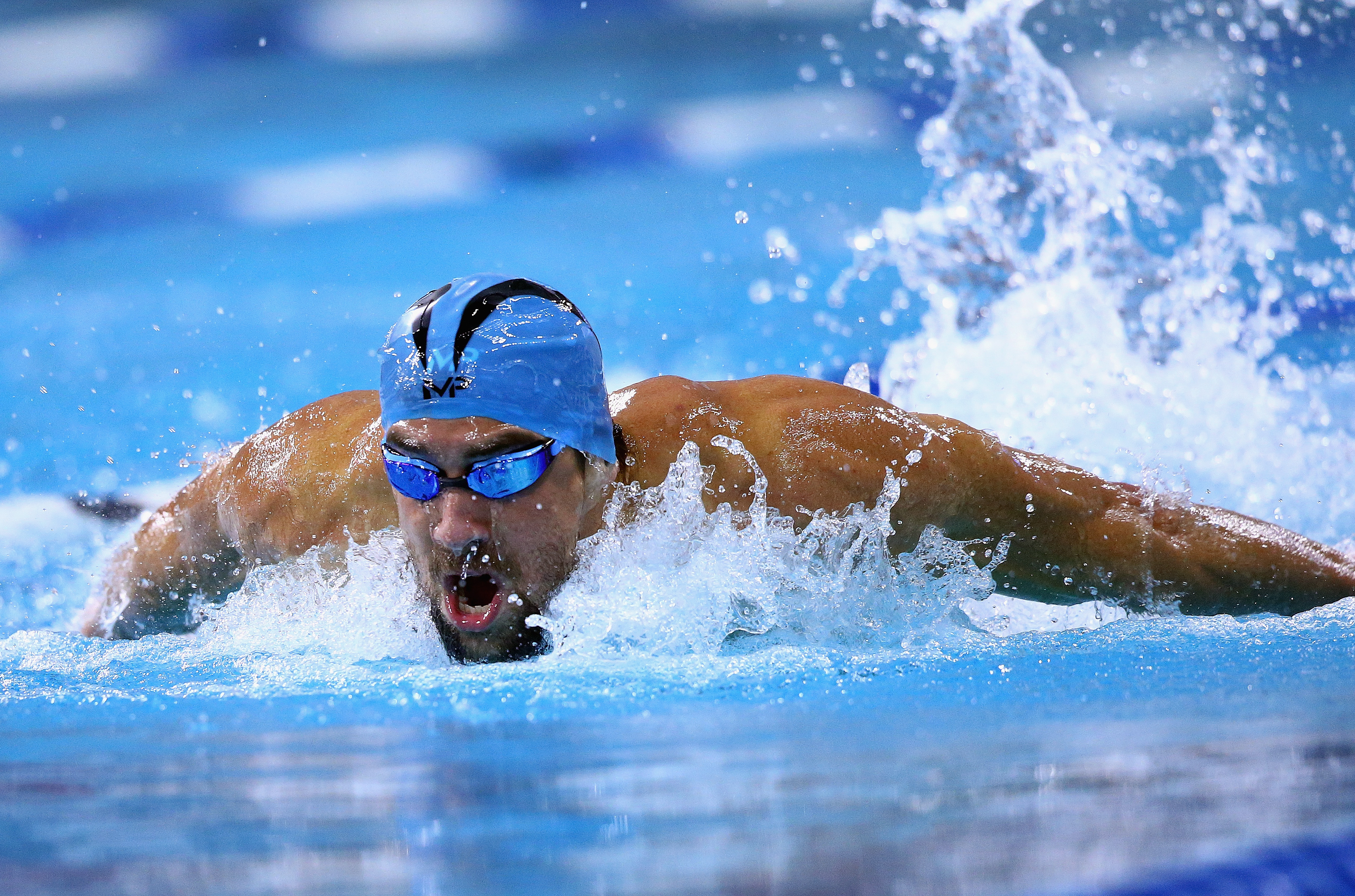 michael phelps swimmer wins first race of the year. Black Bedroom Furniture Sets. Home Design Ideas