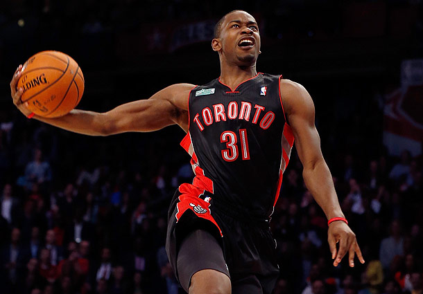 Terrence ross of the toronto raptors wins the 2013 nba slam dunk terrence ross won the 2013 slam dunk contest voltagebd Choice Image