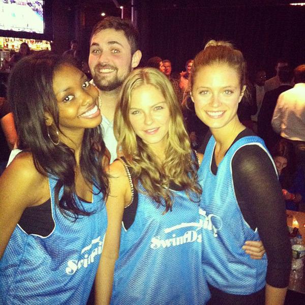 @jesslperez: With my girls @adaoraakubilo @katelynnebock and @1arielmeredith at #SIMarchMadness