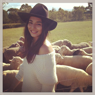 @iamjessicagomes: On set today.  #sydney #shoot #Australia #cattlefarm #work