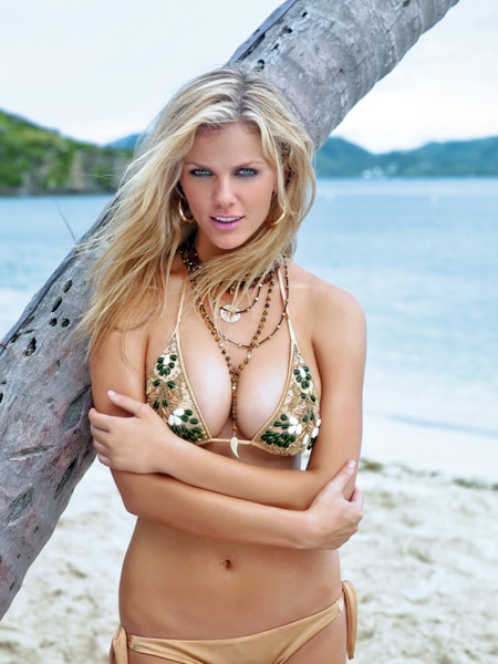 Brooklyn Decker - Just Go with It (2011),                             Battleship (2012),                             What to Expect When You're Expecting (2012) :: Warwick Saint/SI