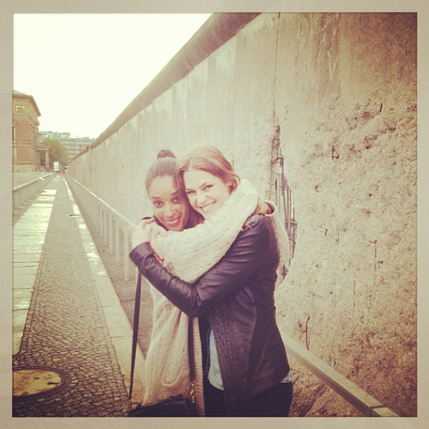@dompiek: Thank god the wall came down... #besties #berlin #reunion @singlegreenfemale