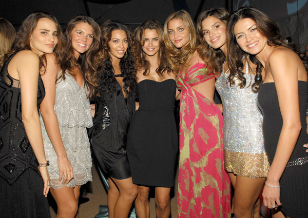 Fernanda Tavares, Daniella Sarahyba, Beyonce Knowles, Fernanda Motta, Ana Beatriz Barros, Raica Oliveira and Aline Nakashima ::  John Sciulli/WireImage.com
