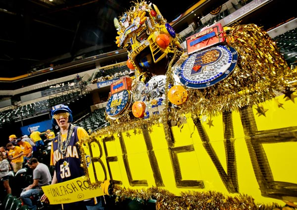 Pacers fan, Game 5 versus Hawks. (Ron Hoskins/NBAE via Getty Images)