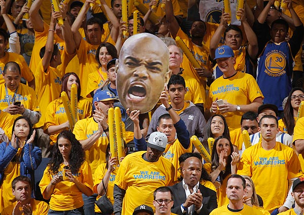 Warriors fans, Game 3 versus Nuggets. (Rocky Widner/NBAE via Getty Images)