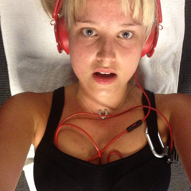 @genevievemorton: Getting my workout on