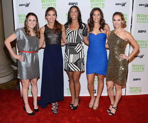Heather O' Reilly, Alexandra Morgan, Shannon Boxx, Carli Lloyd and Heather Mitts :: Jason Kempin/Getty Images