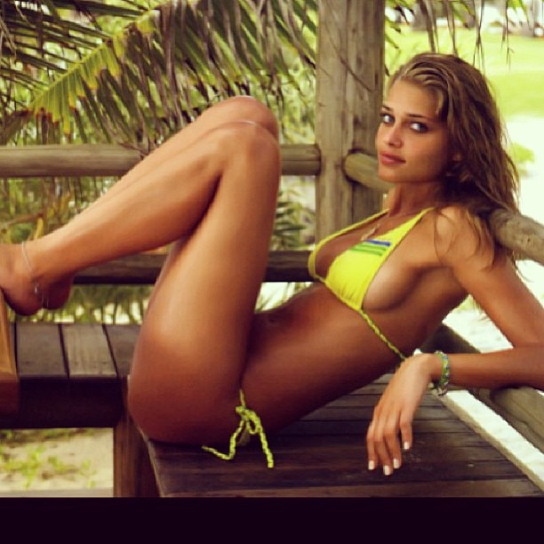 @anabbofficial: #throwbackthursday #sportsilustred #brasil #itacare
