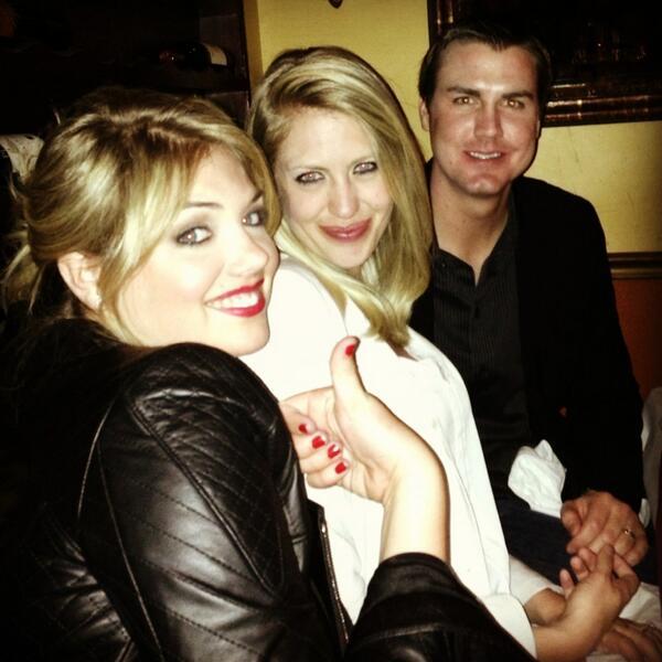@KateUpton: Roommates! @ChristieU @mawilli3