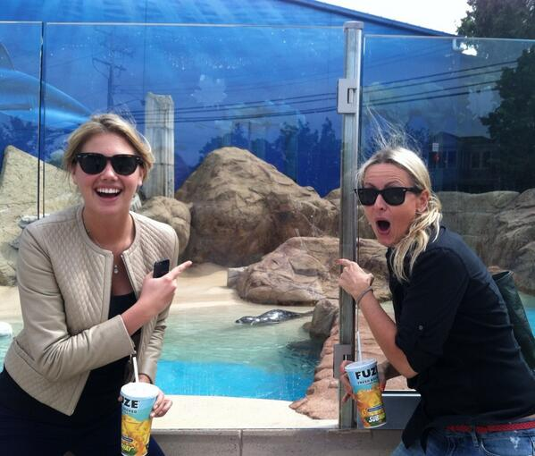 RT @Imkatelacey:                            Sending the happiest of happiest birthdays to the funniest and funnest girl @kateupton Kill it! 🍷😃🎬