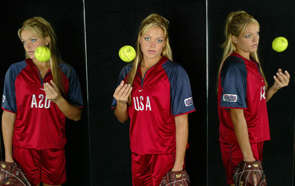 Jennie Finch :: Donald Miralle/Getty Images