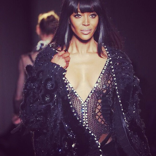 @iamnaomicampbell: @versace #atelier #whatanhonor #loveversacefamily #unconditional