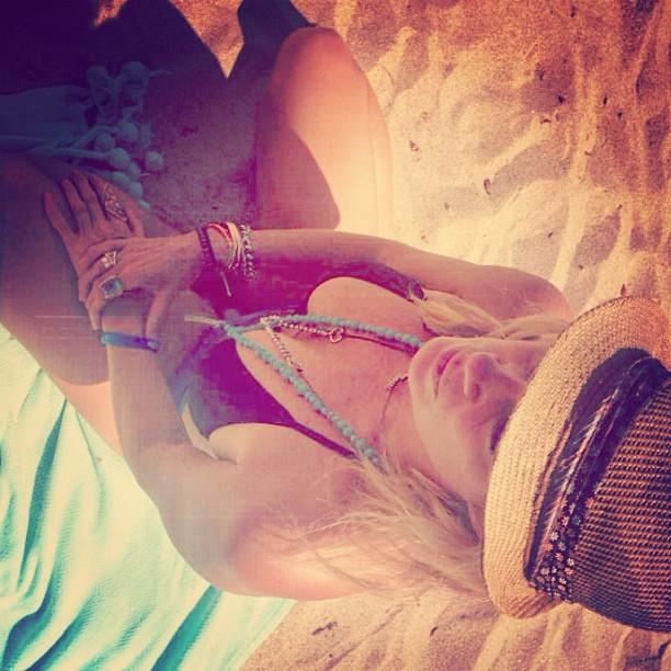 @rachelhunterx:  Down Under Bound....Bye bye Summer ....
