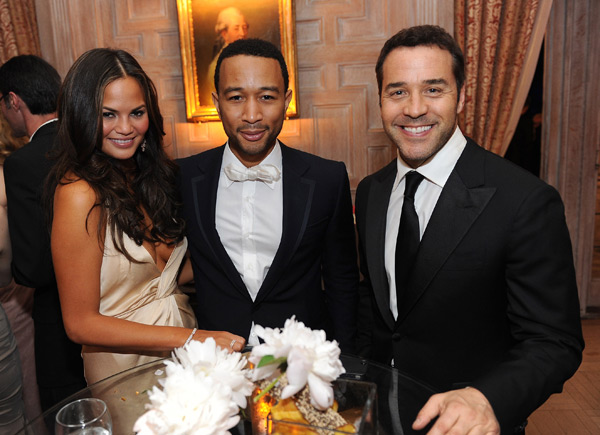 Jeremy Piven poses with John and Chrissy at the 2011 2011 White House Correspondents  Dinner :: Dimitrios Kambouris/Getty Images