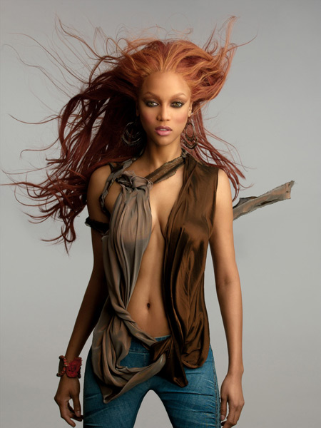 Banks looks fierce during an ANTM promotional shoot in July 2004. (Daniel Garriga/CBS)