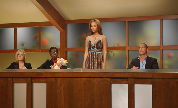 Judges Twiggy, J. Alexander, Banks and Nigel Barker during Cycle 5. (Michael Yarish/UPN)