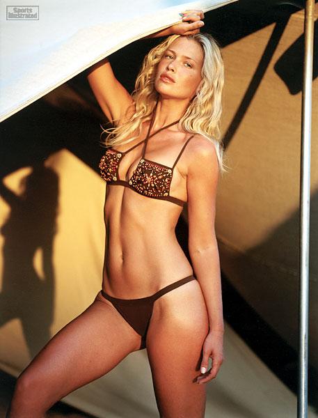 Daniela Pestova :: Stewart Shining/SI