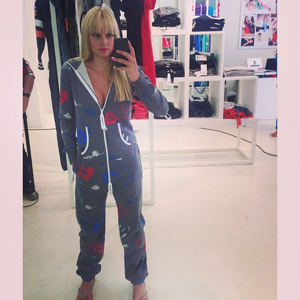 @genevievemorton: My #onedirection onsie for @discoveredtheseries