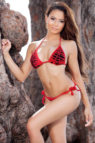 Jenise LeBron :: BikiniTeam.com