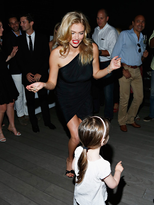 Kate dances at the David Yurman Annual Rooftop Soiree :: Cindy Ord/Getty Images