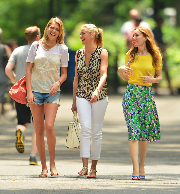 "Kate Upton, Cameron Diaz and Leslie Mann share a laugh while filming ""The Other Woman"" ::  James Devaney/WireImage"