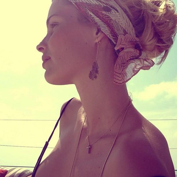 @yayabrunet1: #paradiseisland #onelove