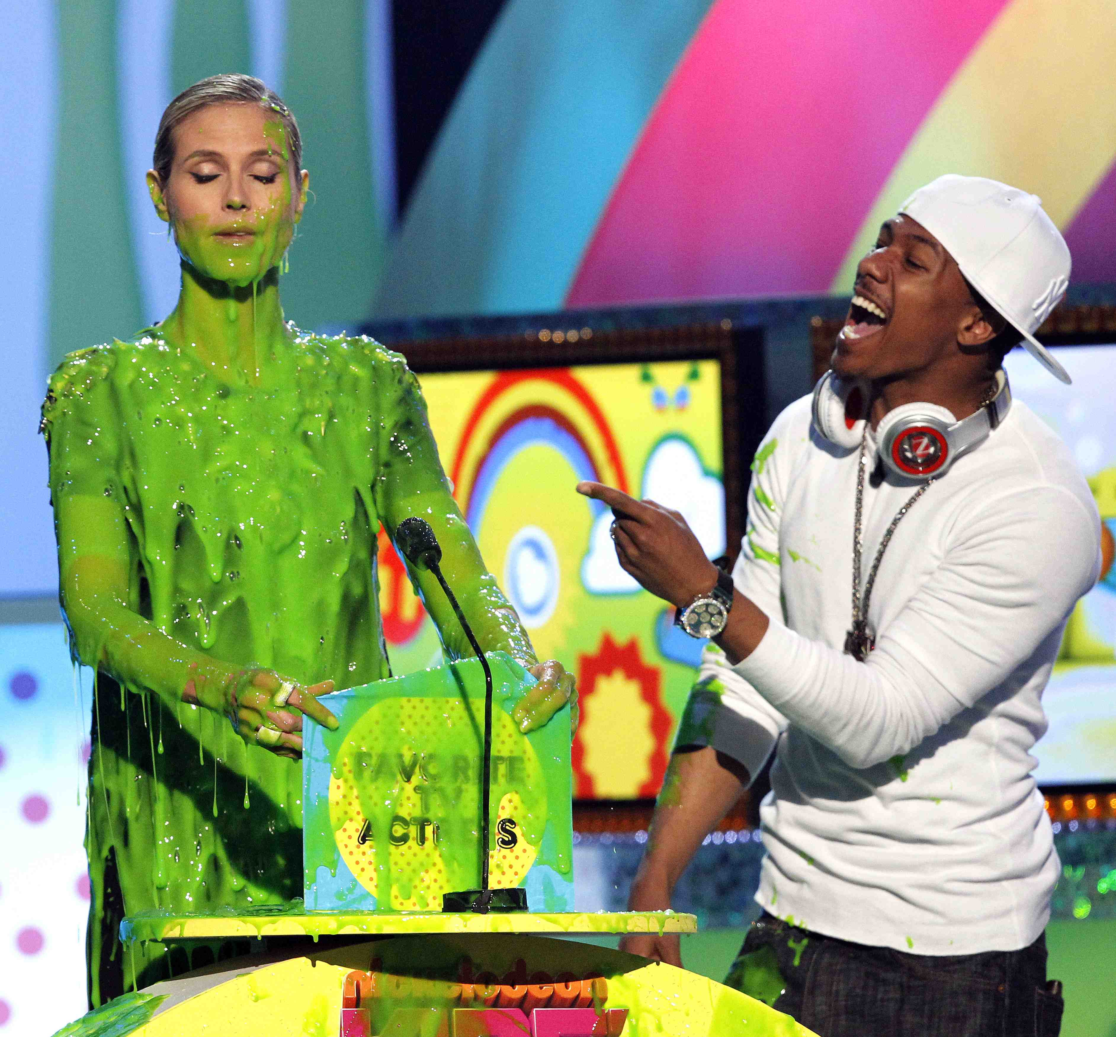 Heidi (with Nick Cannon at the Kids' Choice Awards) as good sport :: Mario Anzuoni/Reuters