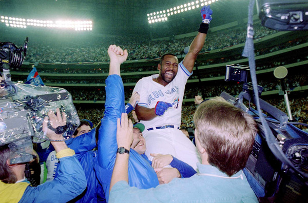 Twenty years ago today, Joe Carter's ninth inning home run led the Blue Jays to their second straight World Series title. (Getty Images)