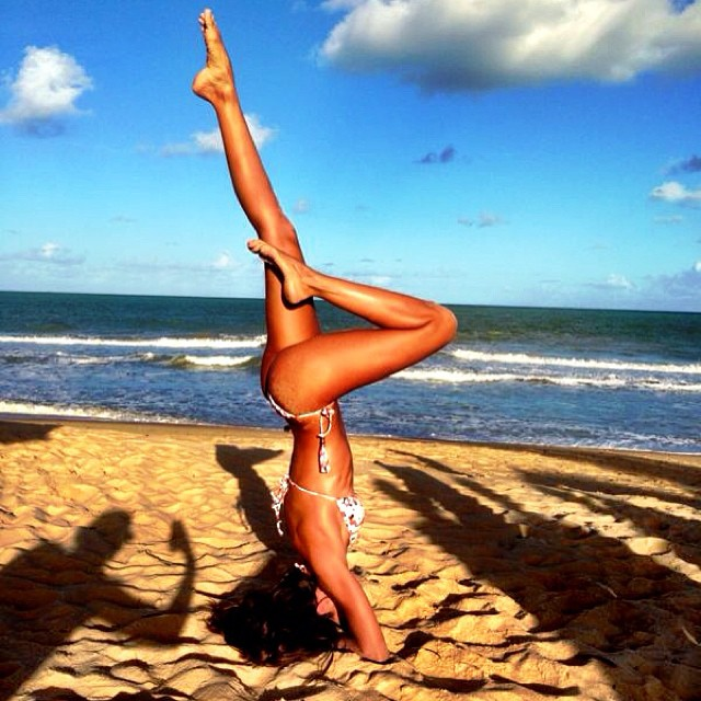@iza_goulart: ....Oh Girls Just Wanna Have Fun!!!! emojiemoji Fun In The Sun!! #sunset #beach #yoga #mymove #funinthesun #trancoso #happy #lifestyle