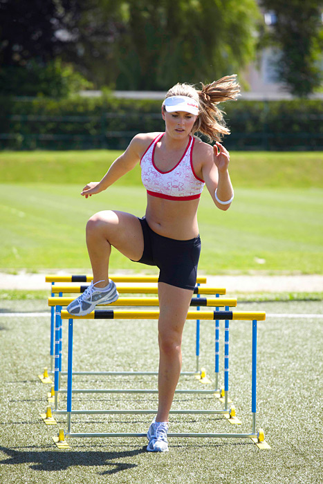 Vonn continues her training by working on the hurdles in 2009. (Drew Gardner/SI)