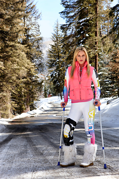 Vonn rehabs her knee in Vail earlier this year. (James Macari/SI)